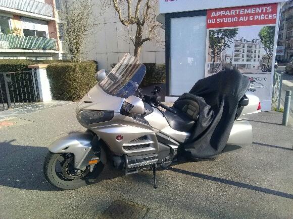 Réservez une moto taxi pour l'aéroport de Roissy